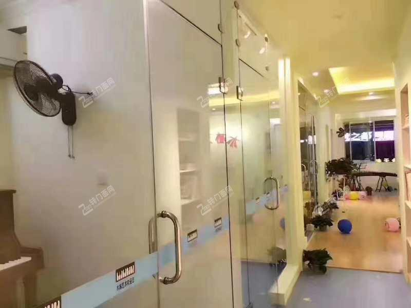 中南汽车世界240平艺术培训中心转让